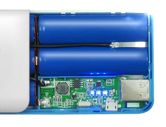 شارژر همراه ای دیتا مدل PT100 ظرفیت 10000 میلی آمپر ساعت