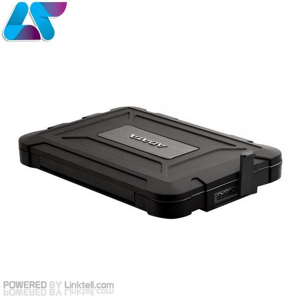 هاردباکس اکسترنال مقاوم ای دیتا ED600 محفظه نگهدارنده قابل حملی است که شما میتوانید انواع ذخیرهسازهای 2.5 اینچی 7 و 9.5 میلیمتری را درون آن قرار داده و به عنوان درایو اکسترنال استفاده کنید. هاردباکس ED600 ایدیتا دارای پوشش سیلیکونی میباشد که هاردهای 2.5 اینچی یا اساسدیهای داخل آن را دربرابر نفوذ آب و گردوغبار با درجهی نفوذ IP58 محافظت می کند و در برابر ضربه تا ارتفاع 1 متر مقاوم است.